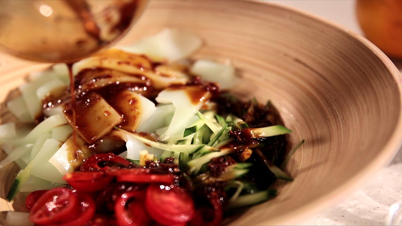 豆油伯媽咪搵醬-蔬食料理--麻辣涼粉